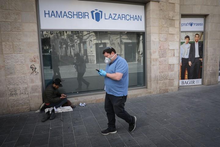 הומלס בירושלים, ב-23 במרץ 2020 (צילום: אוליבייה פיטוסי / פלאש90)