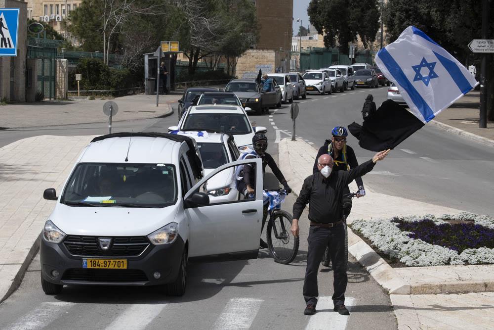 שיירת מכוניות לכנסת במחאה על הצעדים האנטי דמוקרטיים, 23 במרץ 2020 (צילום: אורן זיו)