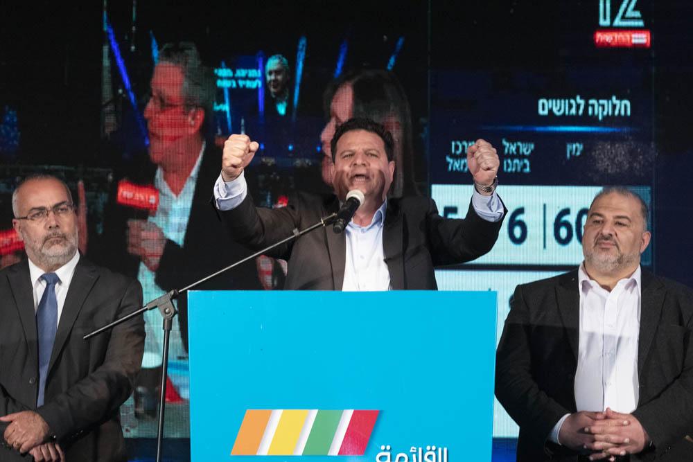 המיעוט לא יכול לנצח את הרוב בכיפוף ידיים. ח״כ איימן עודה באירוע הבחירות של הרשימה המשותפת בשפרעם, 2 במרץ 2020 (צילום: אורן זיו)