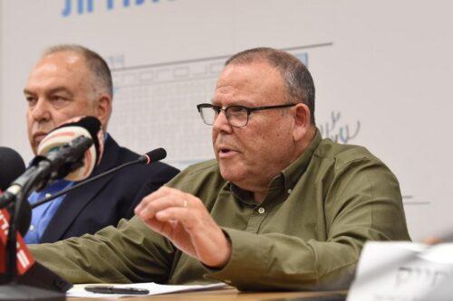 """יו""""ר ההסתדרות, ארנון בר-דוד, במסיבת עיתונאים ב-10 במרץ 2020 (צילום: דוברות ההסתדרות)"""