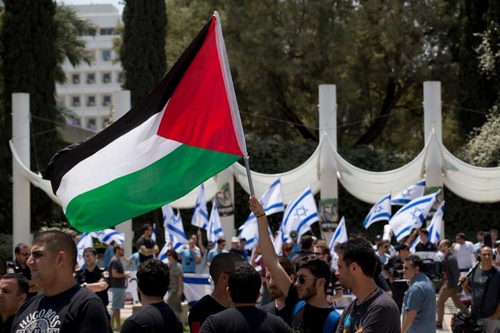 המדינה תמשיך להיות מדינה יהודית, וגם מדינה ערבית. היא כזו כבר כיום. יום הנכבה באוניברסיטת תל-אביב (אורן זיו)