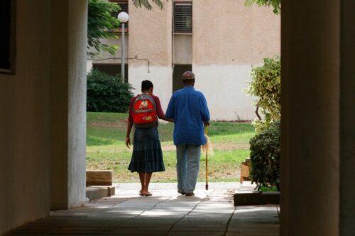 המדינה זזה, וארגונים חברתיים נכנסו לעזור לשוכרי הדירות