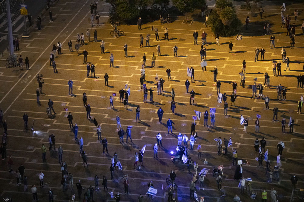 הפגנת התנועה לאיכות השלטון בכיכר רבין, 9 במאי 2020 (צילום: אורן זין)