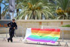 לא מחרמן אותנו. שוטר במצעד הגאווה באשדוד, אוגוסט 2019 (פלאש 90)