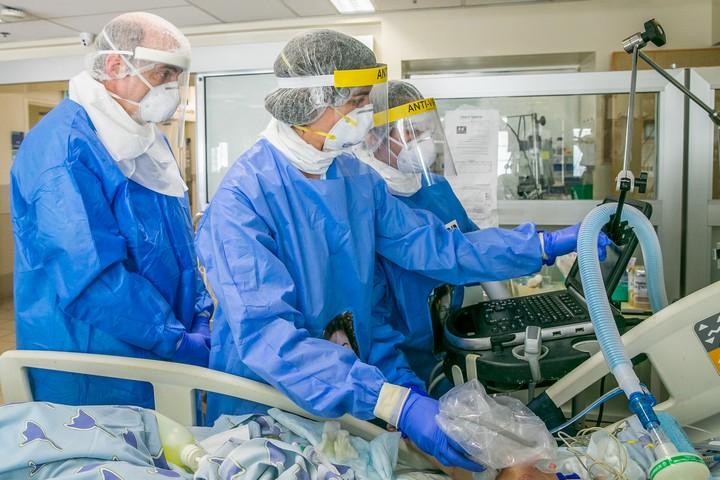 יחידת הטיפול בקורונה בבית החולים איכילוב בתל אביב, ב-4 במאי 2020 (צילום: יוסי אלוני / פלאש90)