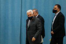 נשיא הרשות הפלסטינית, מחמוד עבאס, ברמאללה ב-7 במאי 2020 (צילום: פלאש90)