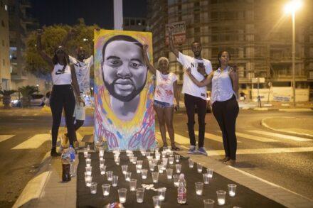 במשפחתו של סלומון טקה מאמינים שההפגנות הן שגרמו להגשת כתב אישום נגד השוטר היורה. מחאה מול בית היועמ״ש בפתח תקווה, אוגוסט 2019 (צילום: אורן זיו)