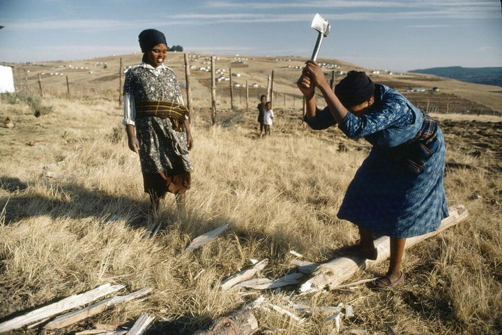 נשים אפריקאיות בטאנסקיי, אחד הבנטוסטנים שהוקמו בדרום אפריקה (צילום: האומות המאוחדות)
