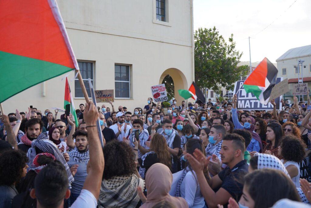 מפגינים בחיפה נגד אלימות משטרתית, 2 ביוני 2020 (צילום: מריה זרייק/ אקטיבסטילס)