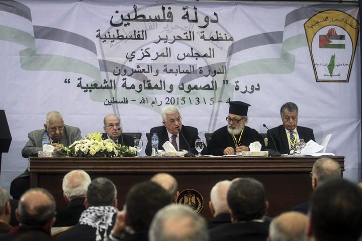 """יו""""ר הרשות הפלסטינית, מחמוד עבאס, בפגישת המועצה המרכזית של אש""""ף ברמאללה, ב-4 במרץ 2015 (צילום: STR / פלאש90)"""