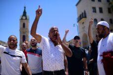 מחאה ביפו נגד הריסת בית הקברות אל-אסעאף, ב-12 ביוני 2020 (צילום: תומר נויברג / פלאש90)
