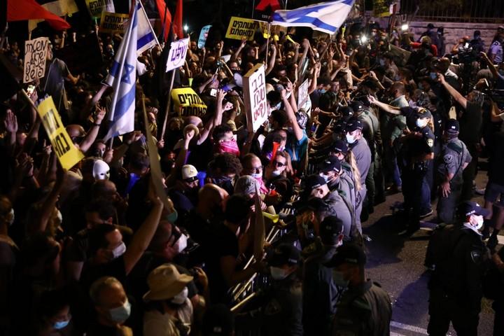 הפגנה מול מעון ראש הממשלה בבלפור בירושלים, ב-14 ביולי 2020 (צילום: אורן זיו)