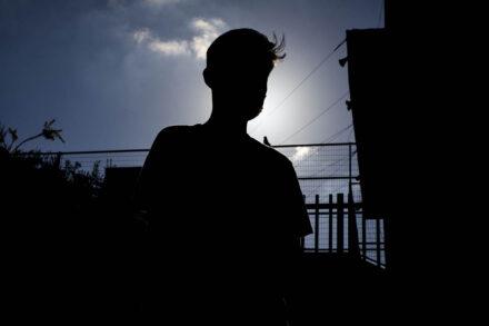 """ג'רום, תלמיד כיתה י""""ב שקיבל צו גירוש ממשרד הפנים, ב-9 ביולי 2020 (צילום: אורן זיו)"""