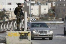 """""""זו הפואנטה של המחסום, להזכיר לך שהכיבוש תמיד שם"""""""