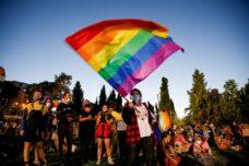 הקהילה הגאה משלמת על הבגידה בברית המדוכאים
