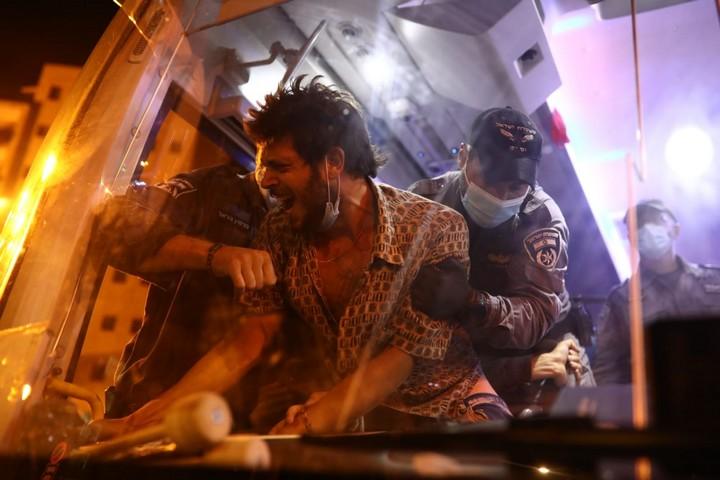 מעצרים ואלימות נגד מפגינים בבלפור, ב-15 ביולי 2020 (צילום: אורן זיו)