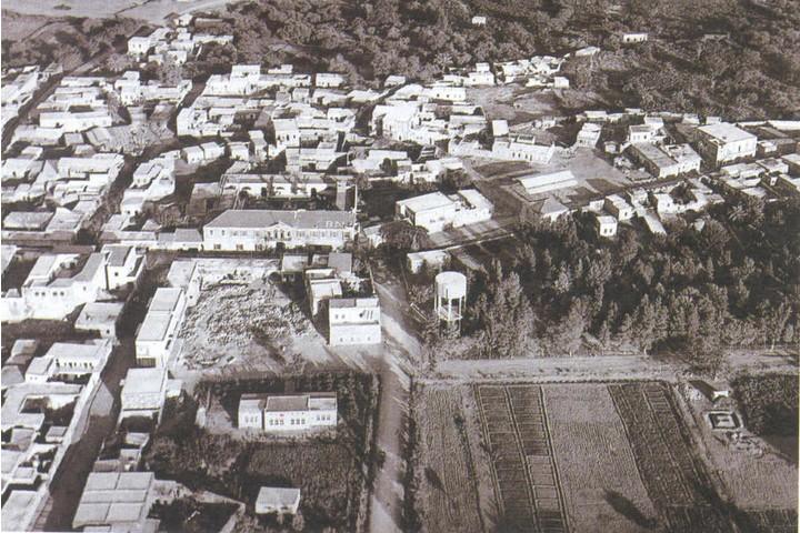 השלטון הטורקי פיתח את האזור בסוף המאה ה-19. צילום מהאוויר של ביסאן (בית שאן של היום) ב-1937 (מתוך Palestine remembered)