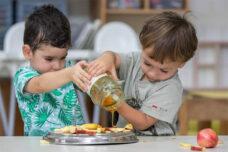 חלוצי ההומניזם: הלמידה כדבש שהוא יצירתו הבלעדית של התלמיד