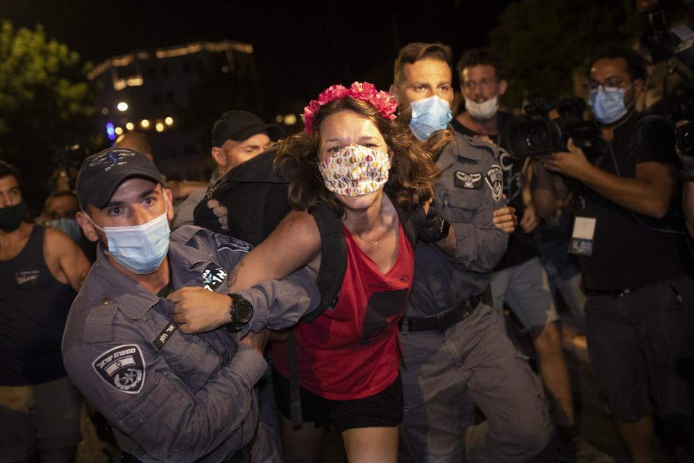 מעצרים בכיכר פריז, 25 ביולי 2020 (צילום: אורן זיו)