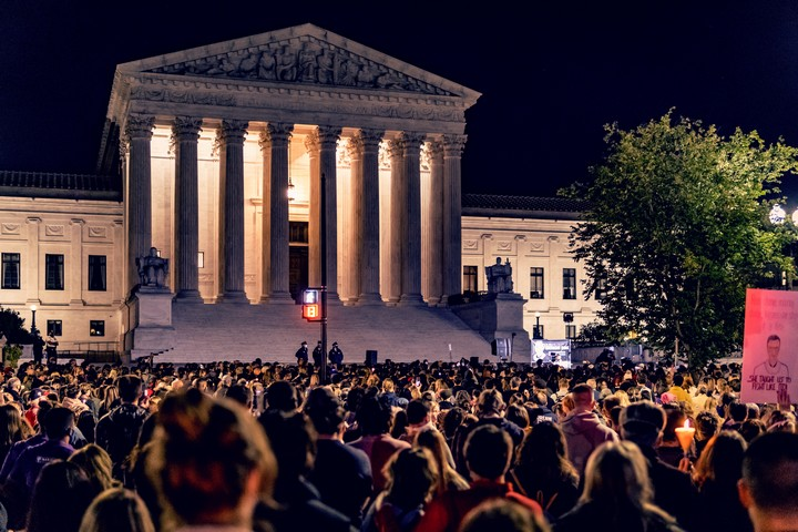 עצרת לזיכרה של רות ביידר גינסבורג מול בית המשפט העליון, ב-19 בספטמבר 2020 (צילום: Ted Eytan, CC BY-SA 2.0)