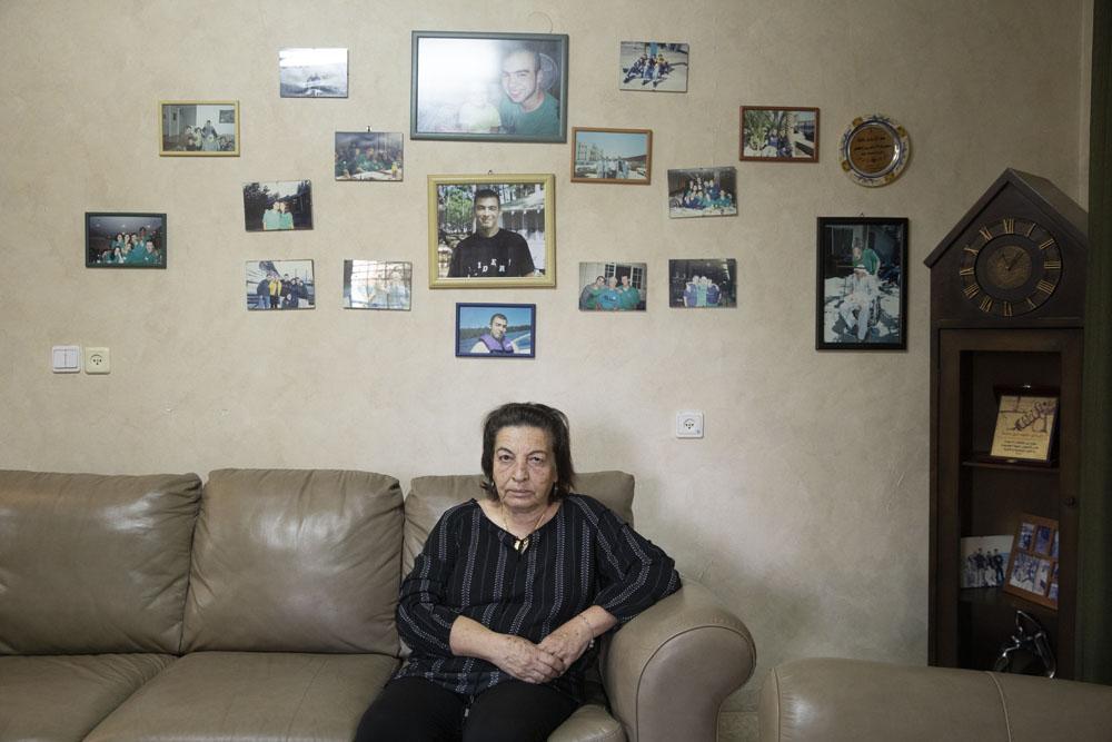 אום אסיל, אמו של אסיל עאסלה בביתה בעראבה (צילום: אורן זיו)