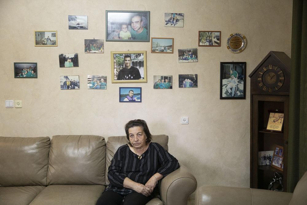 ג'מילה עאסלה, אמו של אסיל עאסלה בביתה בעראבה (צילום: אורן זיו)