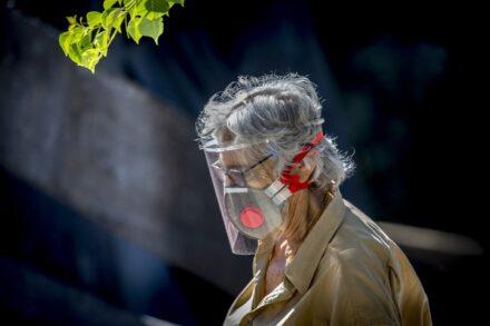 נכים, חולים כרוניים וקשישים הם לא עול, אינם חסרי ערך ואינם נחותים (צילום: אוליביה פיטוסי / פלאש 90)