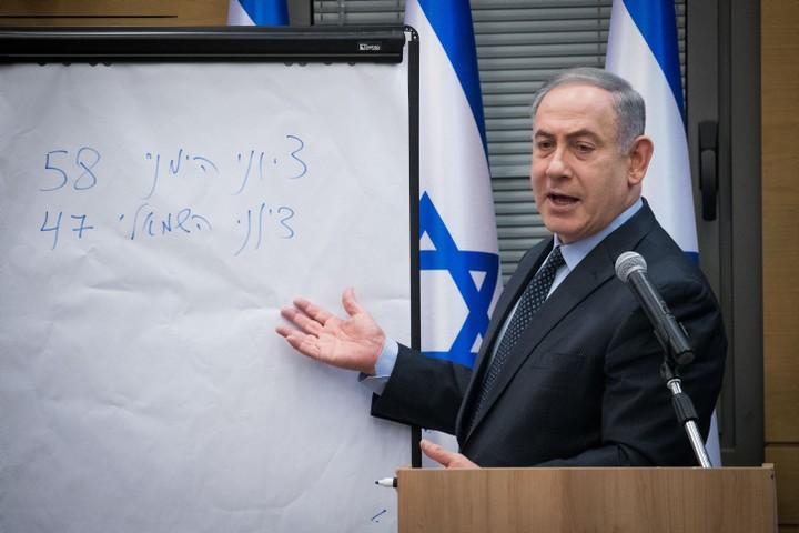 בעיניו של נתניהו, הקולות של המצביעים הערבים לא נחשבו. נתניהו מסביר מדוע הוא קיבל רוב בלי הערבים באפריל 2020 (צילום: יונתן זינדל / פלאש 90)