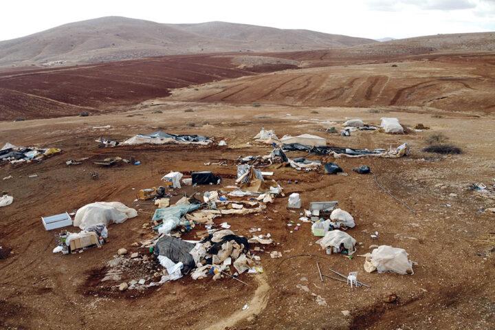 הריסות בקהילת ח׳ירבת חומסה א-פוקא שבבקעת הירדן (צילום: אורן זיו)