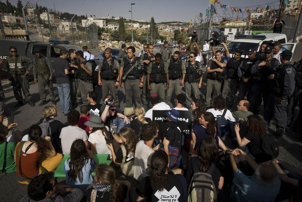 הפגנה בשכונת שיח׳ ג׳ראח בשנת 2010 צילום: אורן זיו)