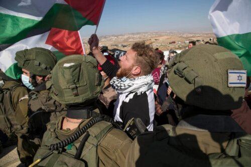 """""""החיילים חיכו ללילה כשאין יותר ישראלים, ואז עצרו את אחי"""""""