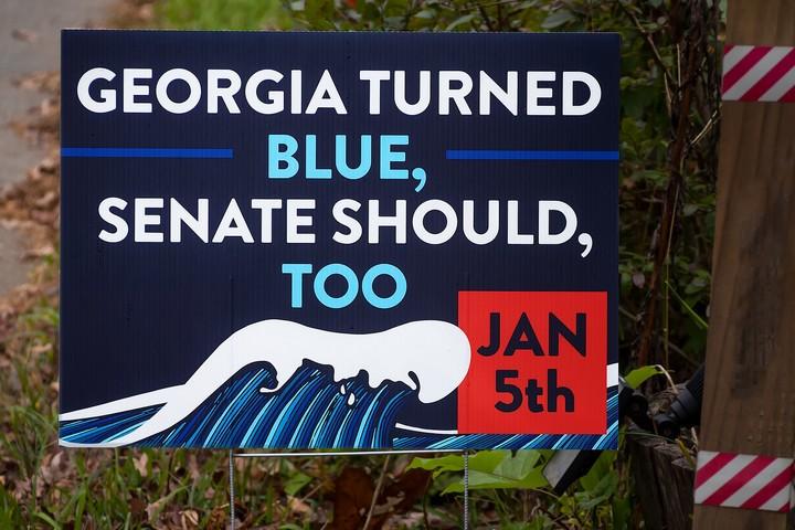 שלט פוליטי בג'ורג'יה, ב-29 בנובמבר 2020 (צילום: Thomas Cizauskas, CC BY-NC-ND 2.0)