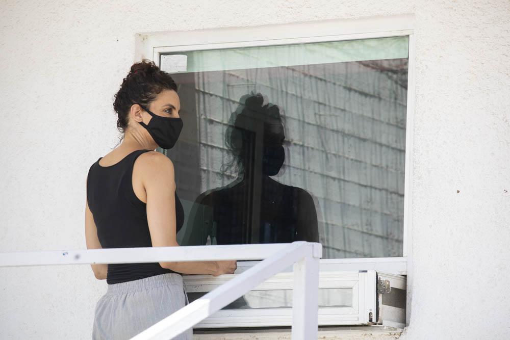 יפעת דורון עם כניסתה לכלא נווה תרצה ביולי 2020. טבעונית כבר 14 שנה מטעמי מוסר (צילום: אורן זיו)