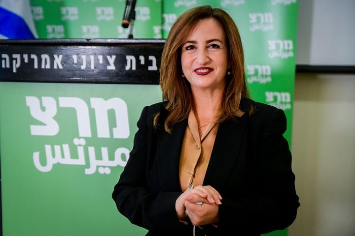ג'ידא רינאווי זועבי, מקום 4 ברשימת מרצ לבחירות, במסיבת עיתונאים בתל אביב, ב-4 בינואר 2021 (צילום: אבשלום ששוני / פלאש90)