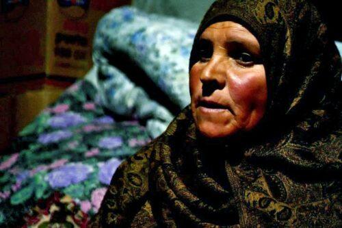 אחרי שראתה חייל יורה בבנה, אמו של הארון מחפשת סולידריות