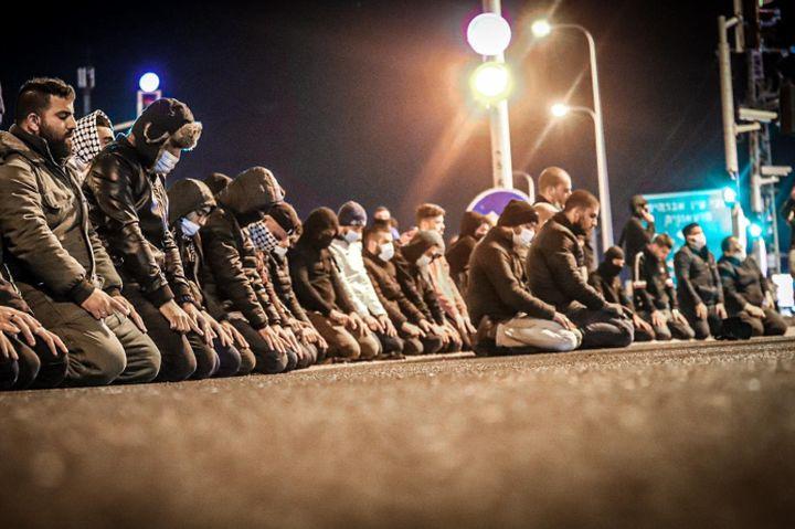 אלפים מגיעים להפגנות מדי שבוע. חיראכ אום אל פחם בהפגנה (צילום: עלא ג'בארין)