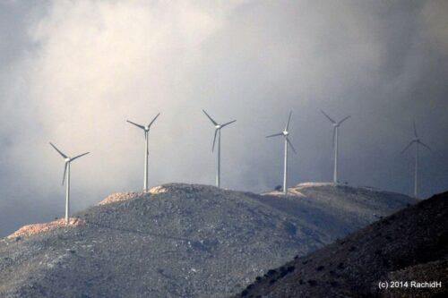 """רוח רעה: כך מנצלת אירופה את יוון בשם ה""""כלכלה הירוקה"""""""