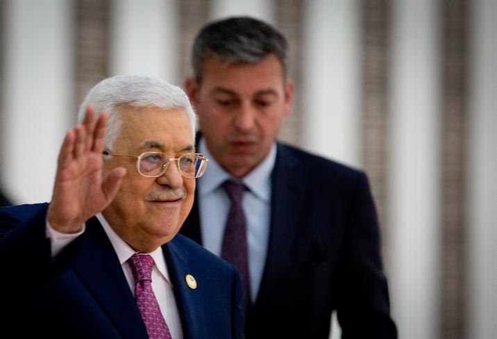 חשב שהצליח להכניע את חמאס, בסוף הסתבר ההפך. אבו מאזן משביע את הממשלה הפלסטינית ב-2019 (צילום: נאסר אישתאיה / פלאש 90)