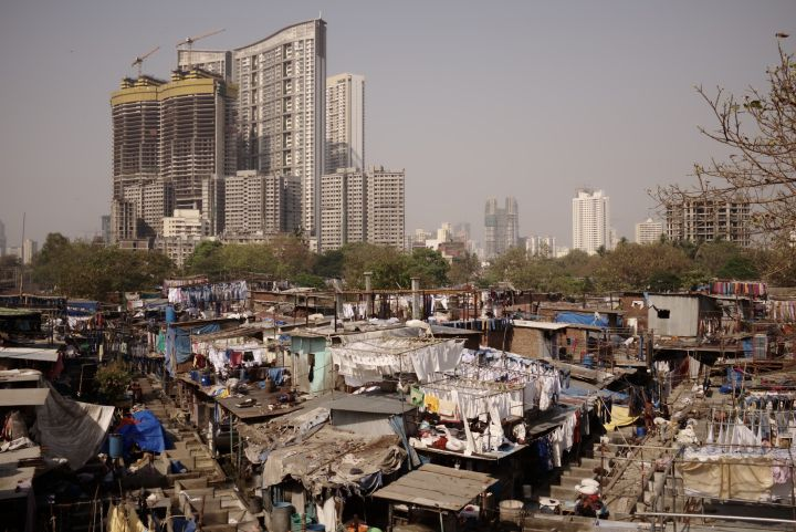 הודו היא מזהמת גדולה אבל עושה מאמצים להשתפר. מבט על מומבאי (צילום: ניקולאס ויג'יה CC BY NC 2.0)