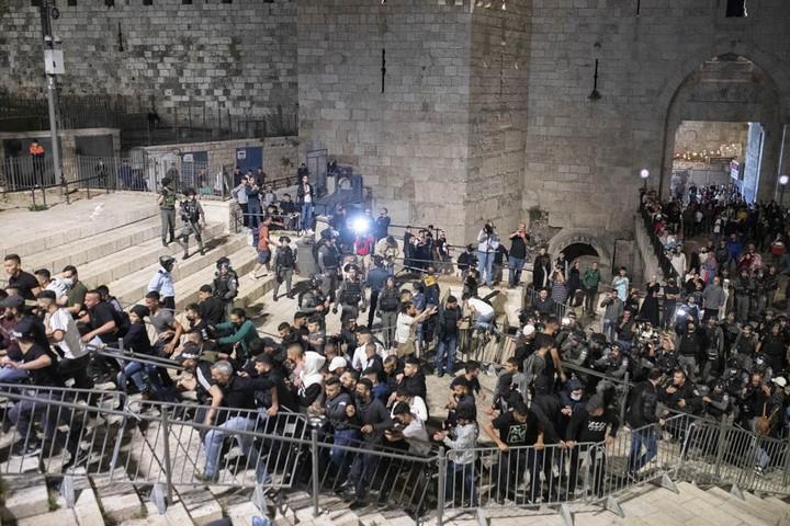 שער שכם בירושלים, אפריל 2021 (צילום: אורן זיו)