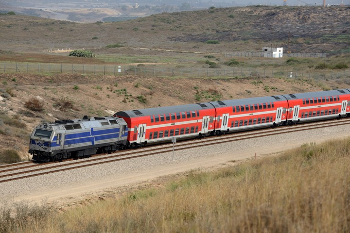 רכבת בדרום הארץ (צילום: גילי יערי / פלאש90)
