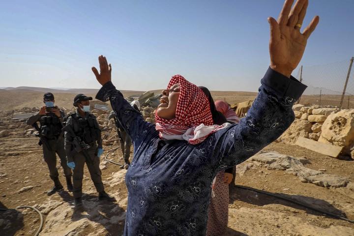 הריסת בתי פלסטינים ליד העיר חברון, 18 באוקטובר 2020 (ויסאם השלמון / פלאש 90)