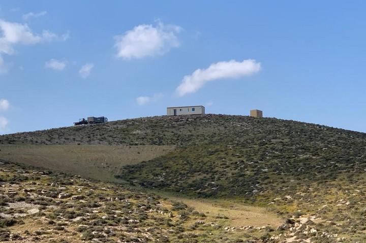 מאחז חדש בדרום הר חברון, מרץ 2021 (צילום: באסל אל-עדרה)