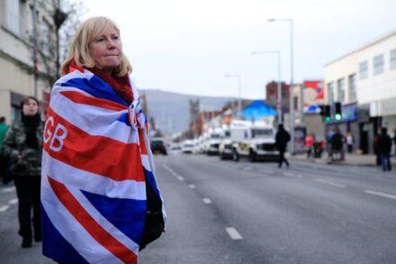 הברקזיט העמיק את הסתירות של היחס של הפרוטסטנטים בצפון אירלנד כלפי בריטניה. מפגינה יוניוניסטית בבלפסט (צילום: ג'שואה הייס CC BY SA 2.0)