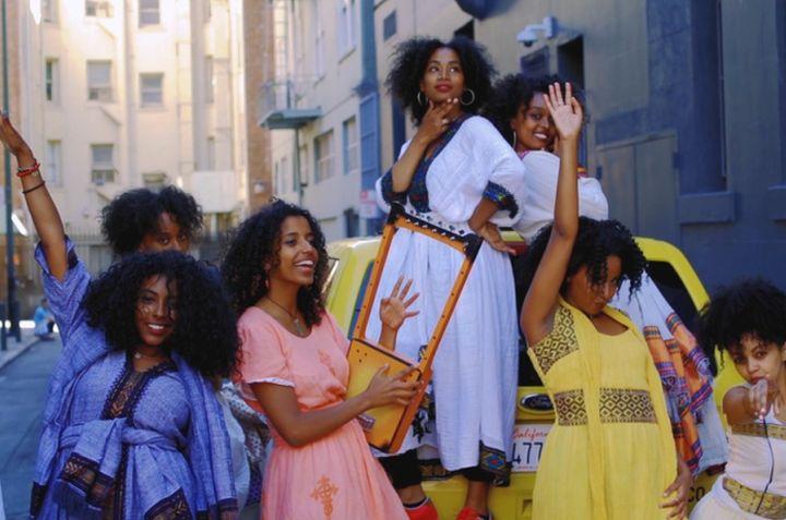 """קומדיה מרירה-מתוקה ומרגשת. מתוך הסרט """"חיים על הדרך"""" של היוצרת האריתריאית-אמריקאית ספורה וולדו. (צילום: ריצ'רד אלכס דוראנטה)"""