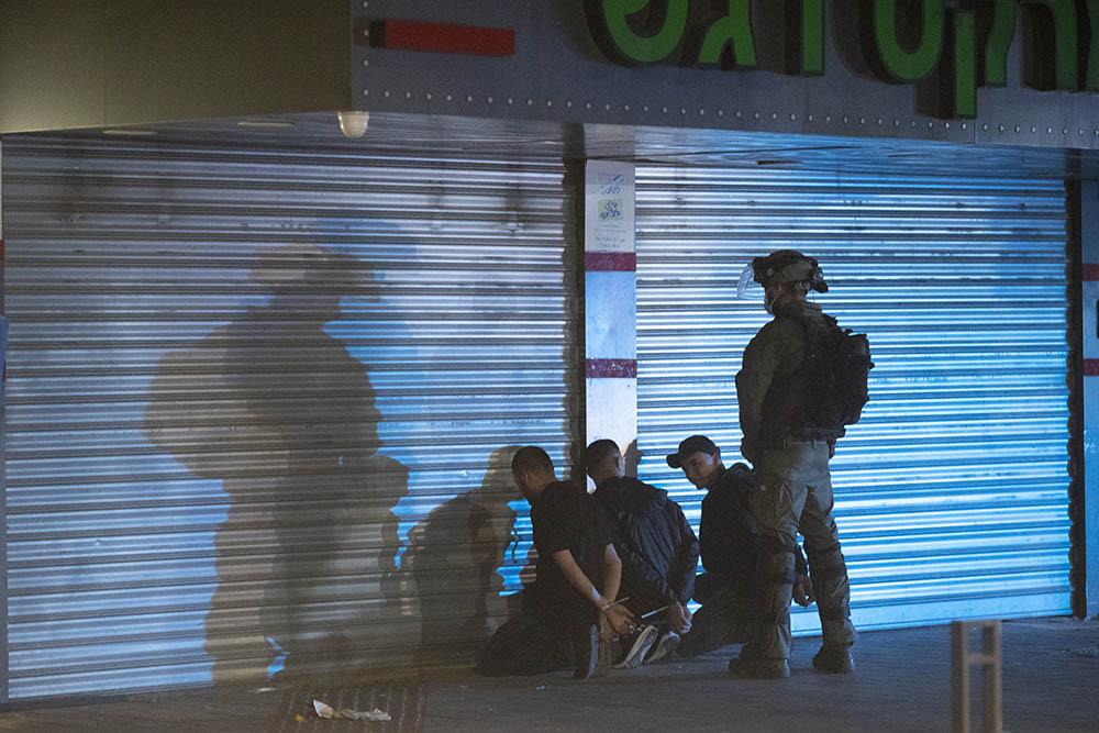 מעצר של צעירים בלוד (צילום אורן זיו)