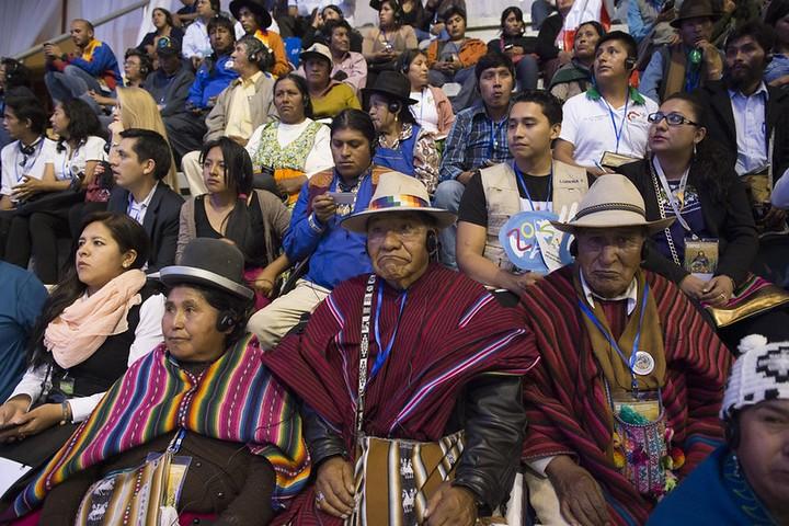 """משתתפים בכנס העולמי האלטרנטיבי על שינוי האקלים בבוליביה, ב-2015 (צילום: האו""""ם, CC BY-NC-ND 2.0)"""