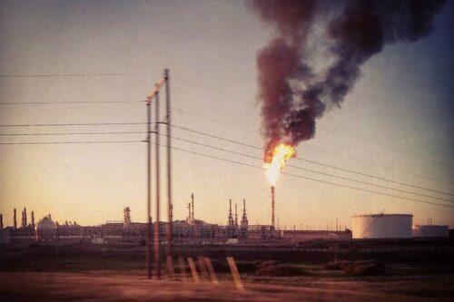 העולם מתחיל סוף סוף להפנות גב לדלקים מאובנים