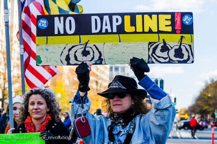 מחאה נגד צינור הנפט בדקוטה, בנובמבר 2016 (צילום: cool revolution, CC BY-NC-ND 2.0)