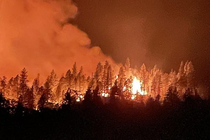 שריפה בקליפורניה, ב-16 ביולי 2021 (צילום: CALFIRE_Official, CC BY-NC 2.0)